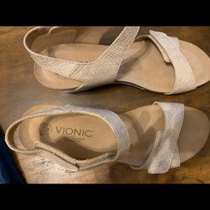 Vionic with Orthoheel Wedge Sandals